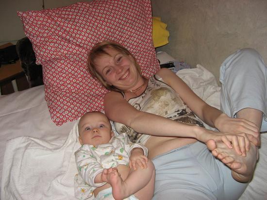 Дети в 1 год и 4 месяца 77